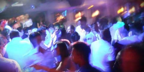 نوادي رقص المثليين وحفلات سيتجيس