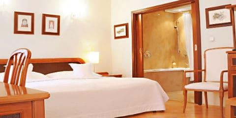 Louren Hotel
