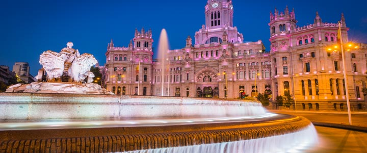 Gay madrid luxury hotel guide 2018 reviews discounts for Luxury suites madrid madrid