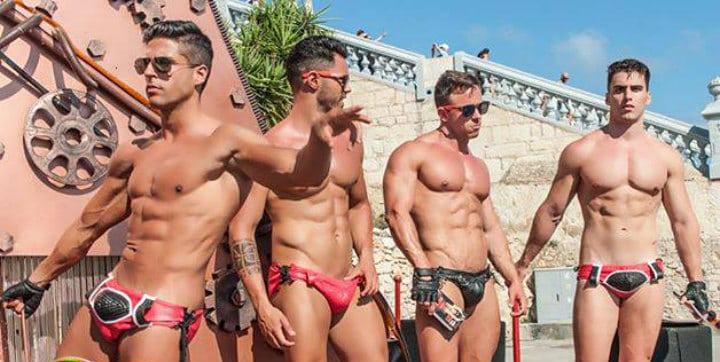 شواطئ سيتجيس مثلي الجنس