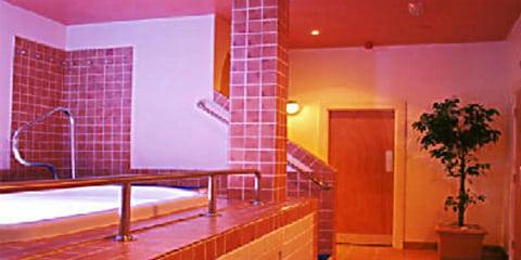 TravelGay recommandation Unité 2 Sauna-FERMÉ