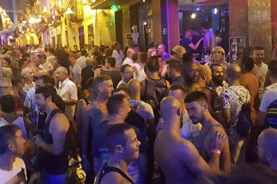 نوادي وحانات المثليين في بنيدورم