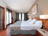 โรงแรมคาทาโลเนียแกรนเวีย
