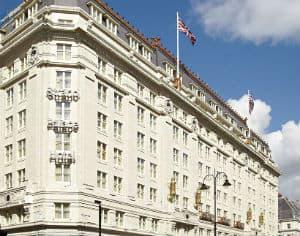 โรงแรม Strand Palace
