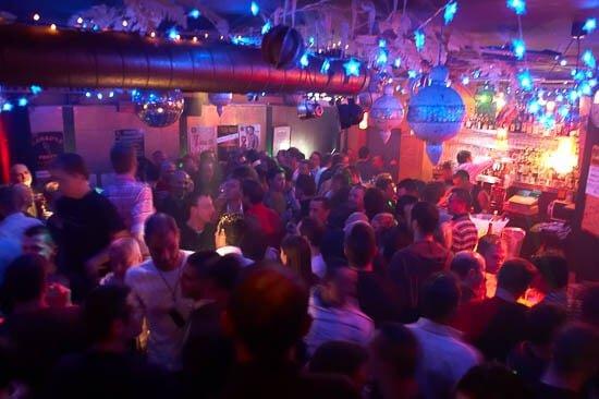 نوادي وحفلات رقص المثليين في تولوز