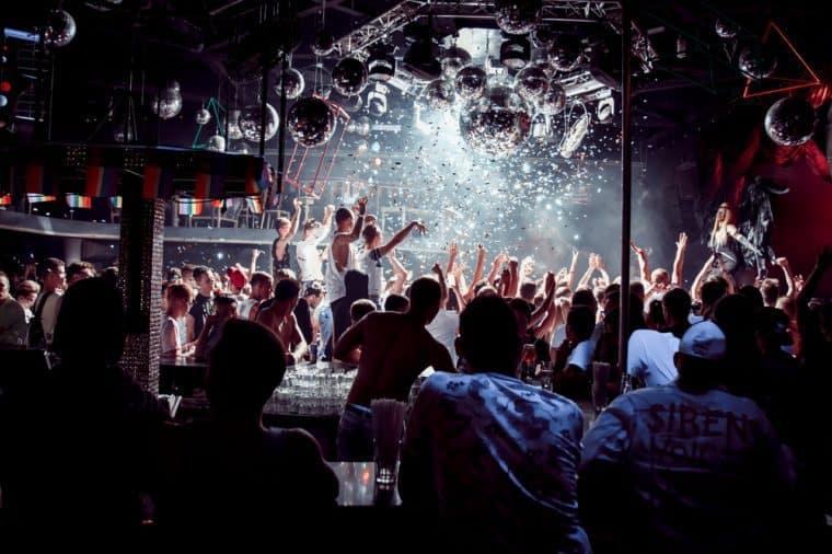 Работа в клубы москвы для парня работа охранник ночной клуб москве
