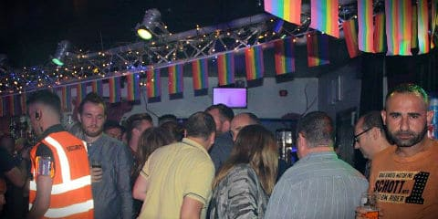 حانات المثليين في بلاكبول