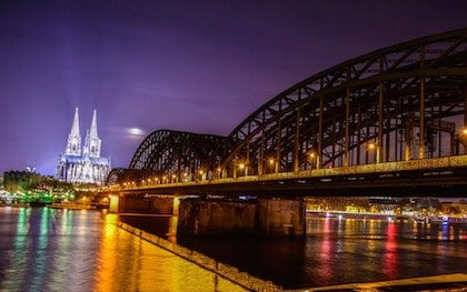 Cologne view of the Catherdral and River