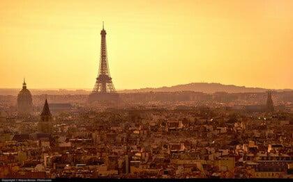 Eiffeltårnet i homofil Paris