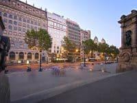 奥利维亚广场酒店