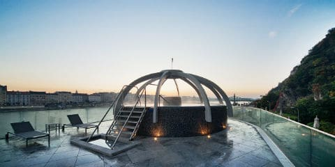 TravelGay σύσταση RUDAS Thermal Bath