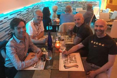 مقاهي ومطاعم بنيدورم للمثليين