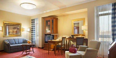 image of BEST WESTERN Premier Hotel Astoria