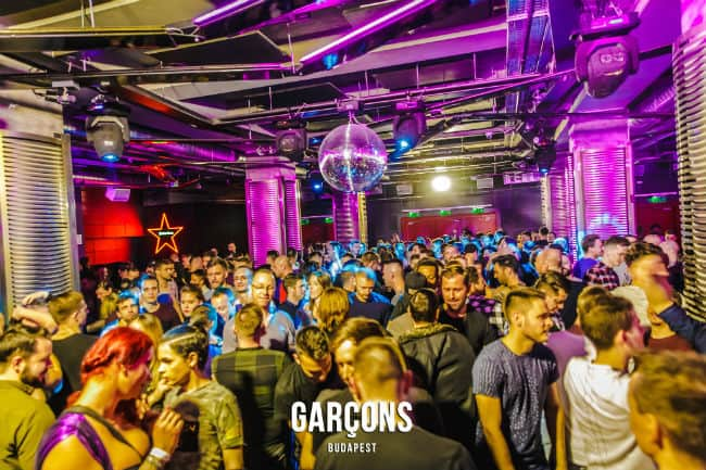 Clubs et fêtes gays à Budapest