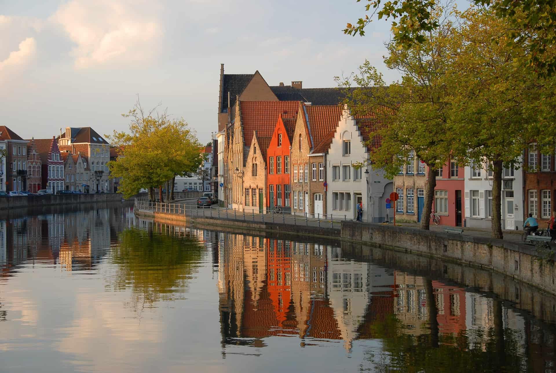 Gay Bruges · دليل المدينة