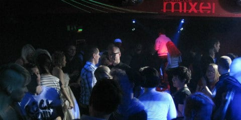 坦佩雷同性恋酒吧和夜店