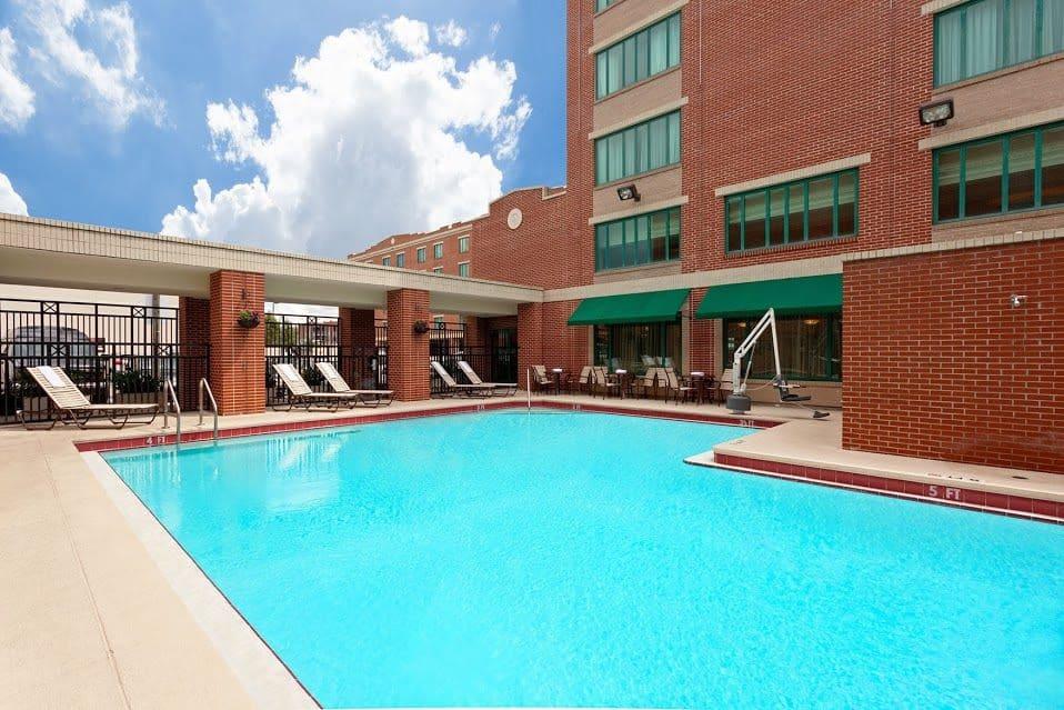 image of Hampton Inn and Suites Tampa