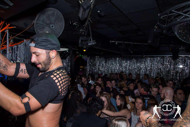 نوادي رقص المثليين في بورتلاند