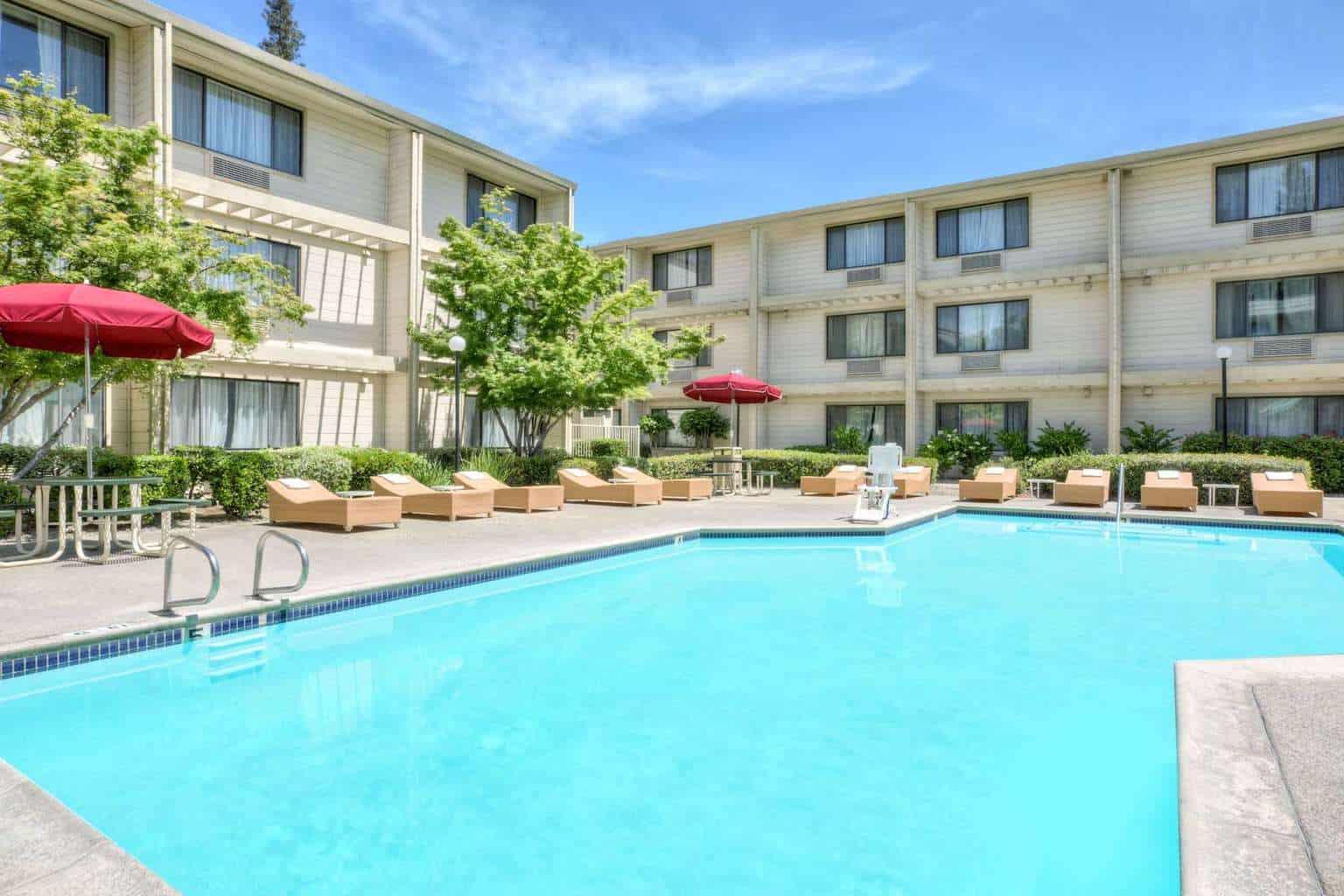image of Hawthorn Suites Sacramento