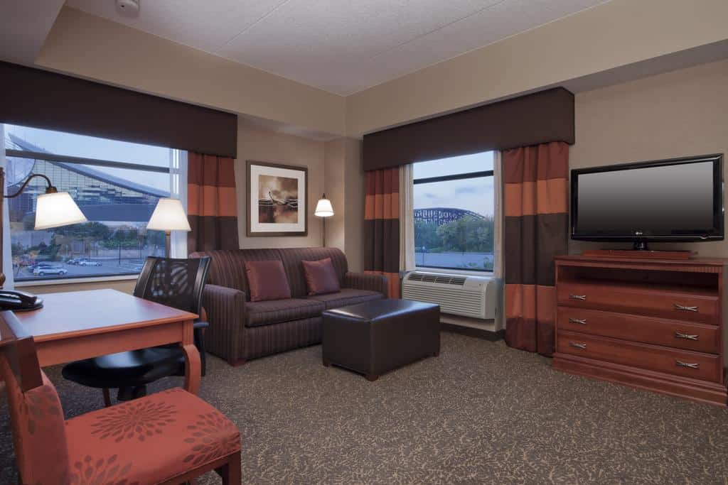 image of Hampton Inn and Suites Pittsburgh Downtown