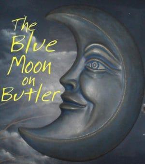 القمر الأزرق