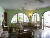 色彩绿洲度假酒店