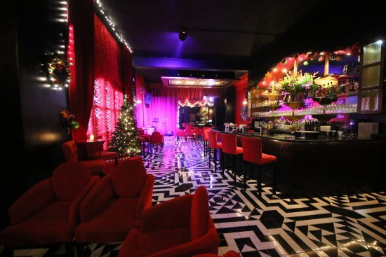 TravelGay recommendation Encore Piano Bar