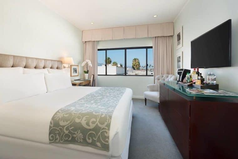 TravelGay рекомендация Luxe Rodeo Drive Hotel - ЗАКРЫТО