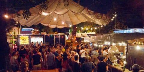 Anímate Charlie's Bar Austin Texas
