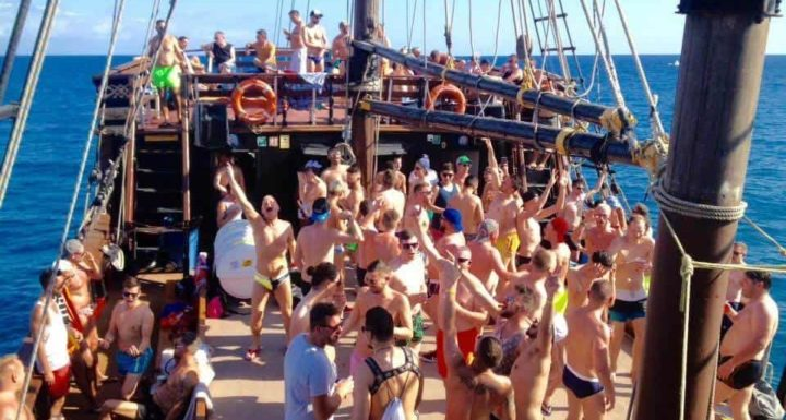 TravelGay recommandation Bottoms Up Gay Boat Party