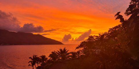 Matahari terbenam Gay Seychelles