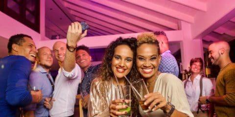 Rainbow Lounge and Bar al Floris Suite Hotel