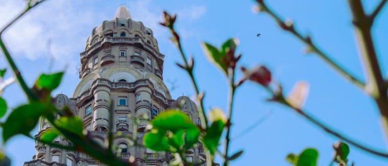 Gay Montevideo · Hôtels milieu de gamme