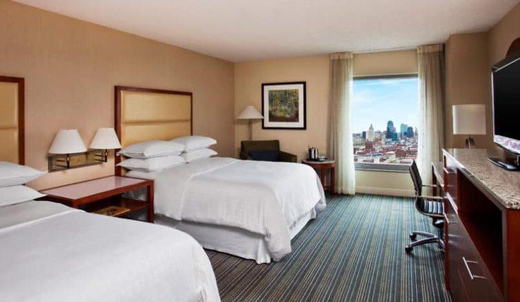 صورة فندق شيراتون كانساس سيتي في كراون سنتر
