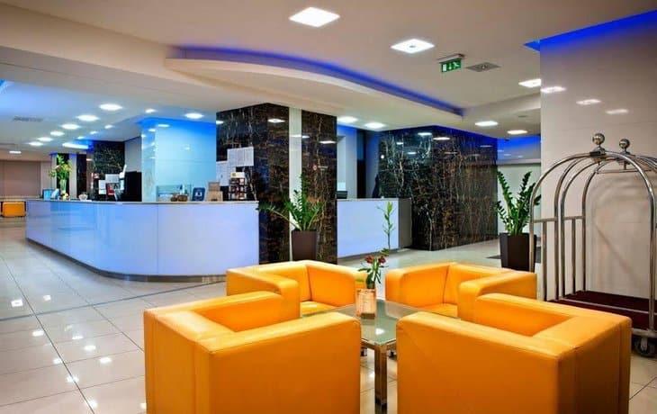 Ξενοδοχείο Τάτρα