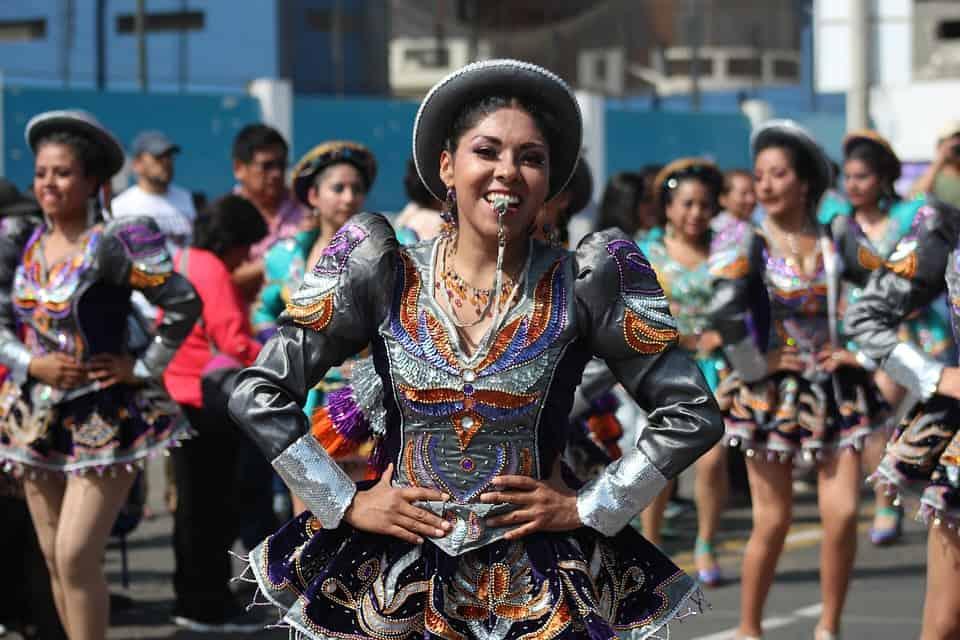 Gay Lima · Servizi