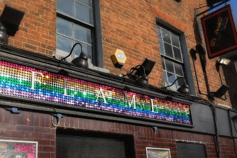 Gay Luton-barer, saunaer og hoteller