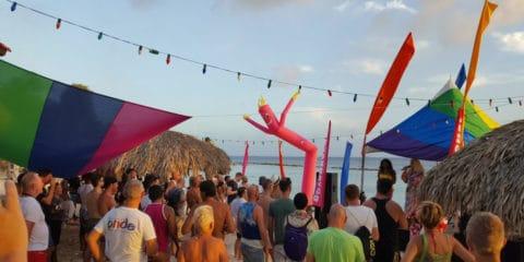 Keangkuhan Curacao