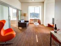 Mantra โรงแรมชาร์ลส์