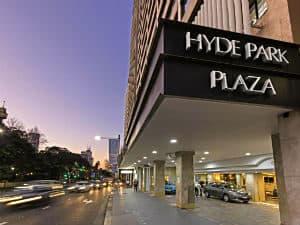 Oaks Hyde Park Plaza Apartments