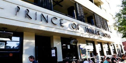 TravelGay raccomandazione Prince Public Bar