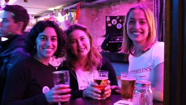 3W Kafe Paris lesbian bar