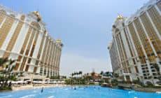 http://www.agoda.com/galaxy-macau/hotel/macau-mo.html?cid=1459778