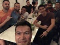 88 مطعم وبار