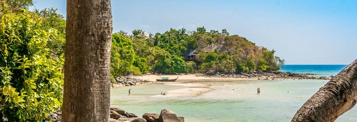 Exploring-Phi-Phi-Islands-Thailand