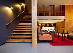 Side 10 Hotel