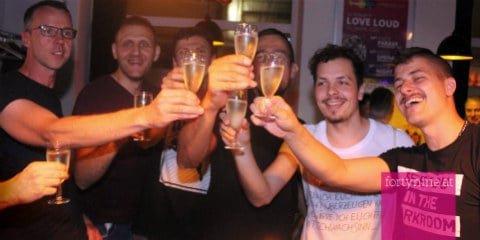 Gay Kontakte Linz Anzeigen Locanto - Kostenlose