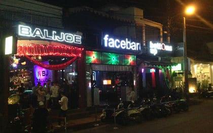 Utforsker Balis homofile barscene