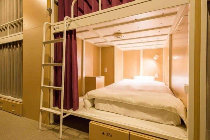 فندق وبيت شباب GRIDS