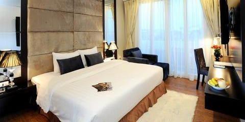 Hanoi Legacy Hotel – Bat Su